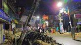 বিদ্যুতের খুঁটি হেলে পড়ে জিন্দাবাজার সড়ক বন্ধ