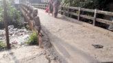 লালাবাজারে সরু সেতু দিয়ে চলাচল, দূর্ভোগে দুই উপজেলার মানুষ